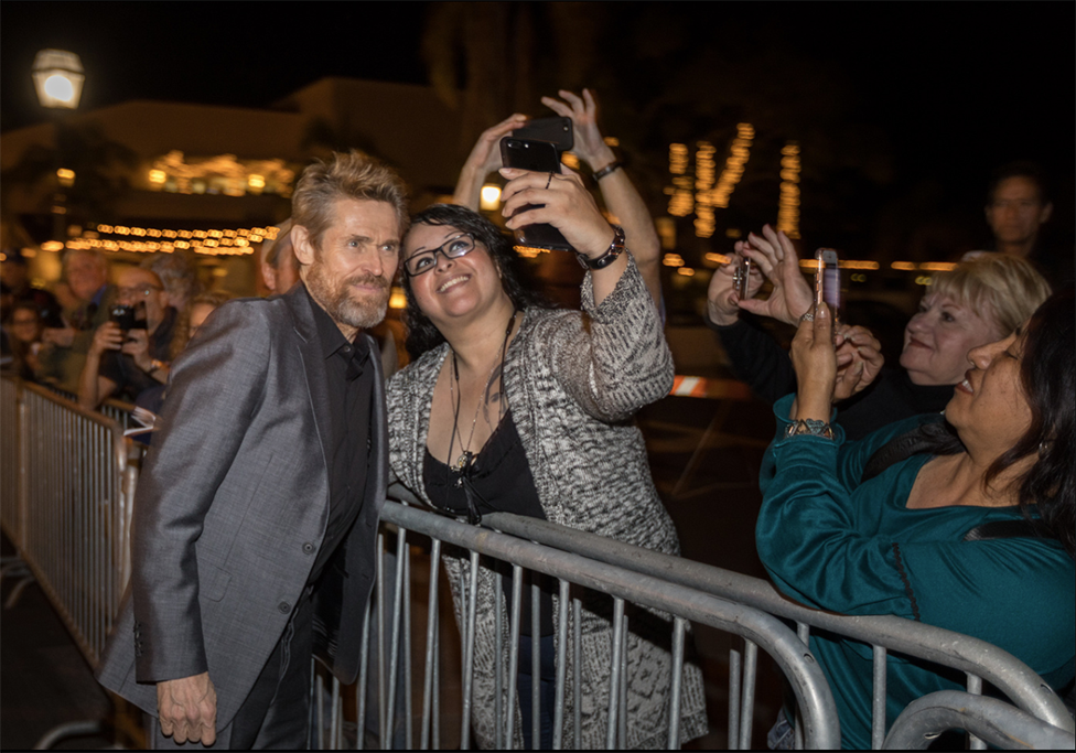 Actor-Willem-Dafoe-picture-with-fan